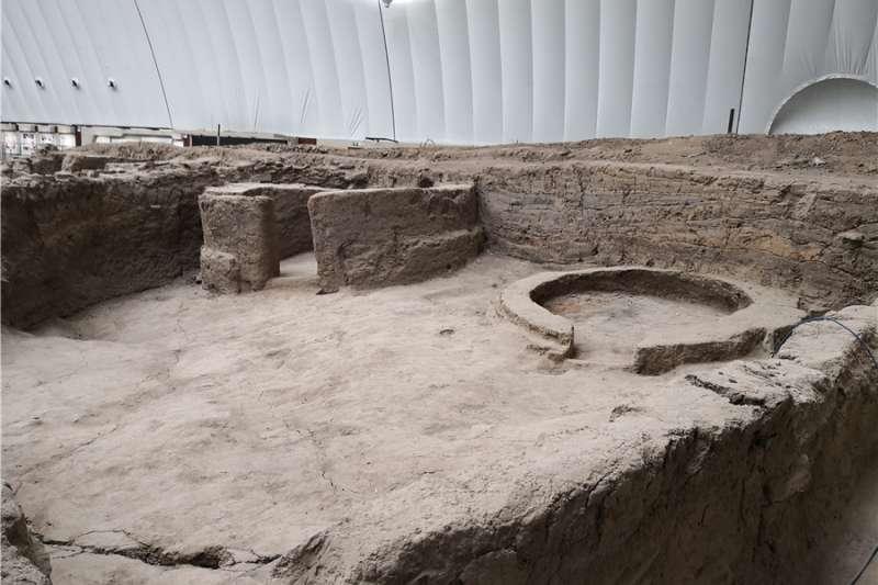 「東方龐貝城」二道井子遺址中,被選擇作為實驗物件的建築遺跡。(新華社)