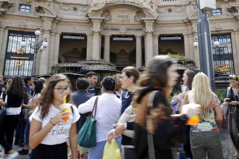 2018年9月7日,義大利首家星巴克在米蘭正式開幕。(AP)