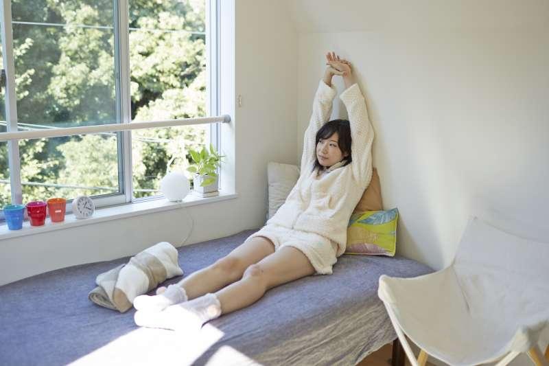 一定要睡滿8小時才叫睡眠充足嗎?(圖/フリー素材アイドル MIKA RIKA)