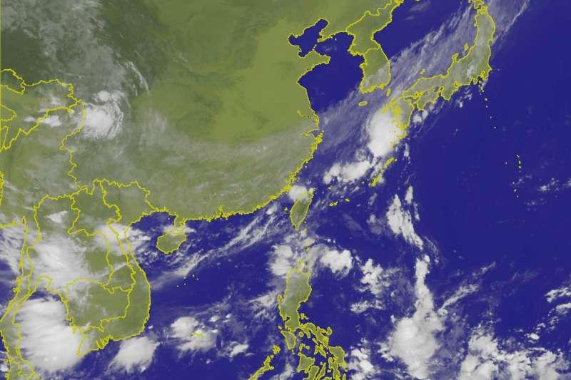 周末受到入秋首道鋒面通過與東北風增強影響,全台各地均有豪雨發生的可能,至於第22號輕度颱風山竹,不排除有增強為強颱的可能,預估下周末將會影響台灣天氣。(中央氣象局提供)