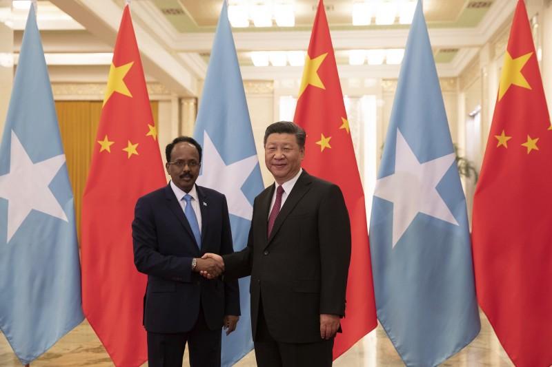 中非合作論壇:中國國家主席習近平與索馬利亞總統穆罕默德(AP)