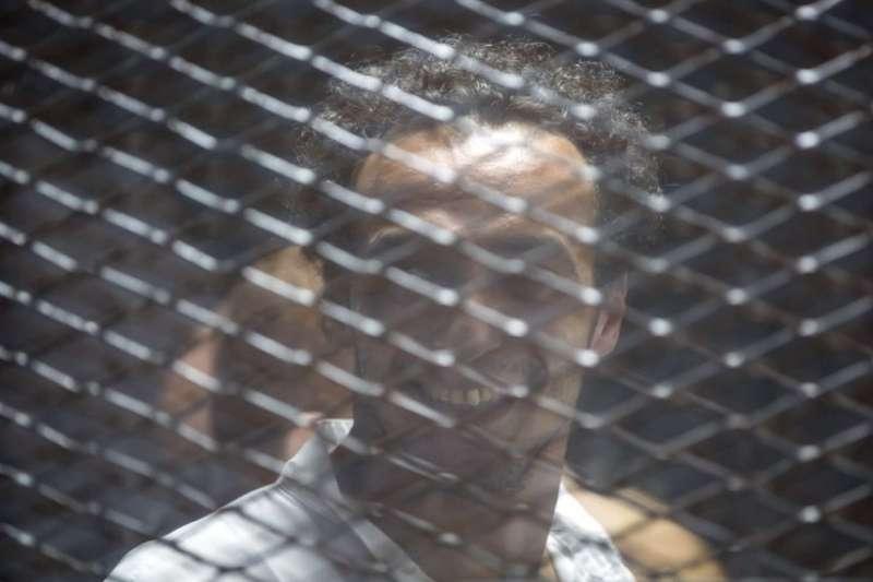 埃及法院判75人死刑