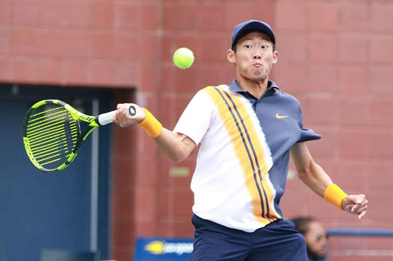 曾俊欣在美網青少年男子單打賽事4強賽狀態不佳,不敵巴西選手,無緣晉級決賽,想挑戰連續3的大滿貫賽事奪冠夢碎。( 圖由四維體育推廣教育基金會提供)