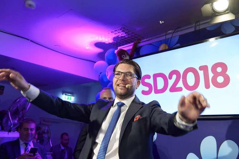 作者強調,,任何關於瑞典「極右變天」的叫嚷都是徒勞的,極右黨SD在瑞典注定不會成功。圖為極右派的瑞典民主黨黨魁奧克森(AP)