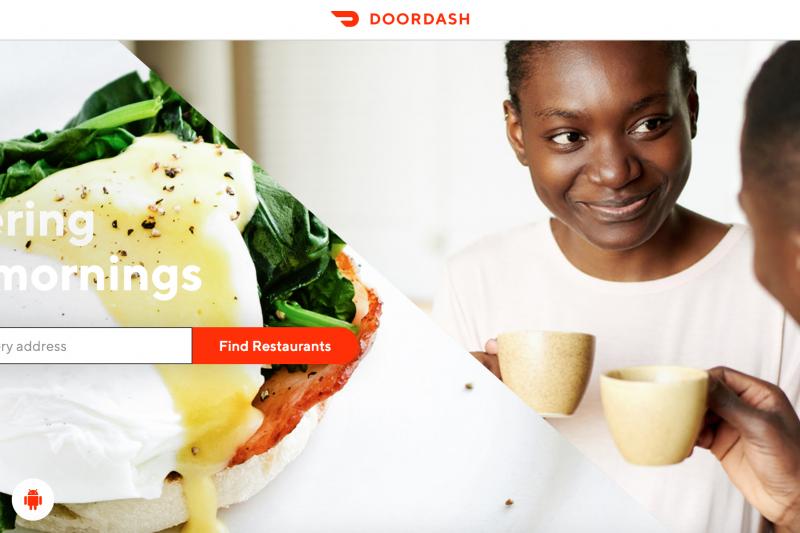 「不管是DoorDash,或者與其劇烈競爭著的Uber Eats、Deliveroo⋯⋯等一干新創,他們抓準的都是肚子餓但懶得出門覓食的消費者⋯⋯」圖為DoorDash首頁。(取自DoorDash網頁)
