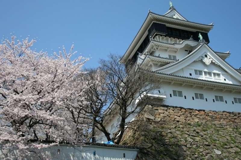 小倉城天守閣的外觀。(圖/樂吃購!日本)