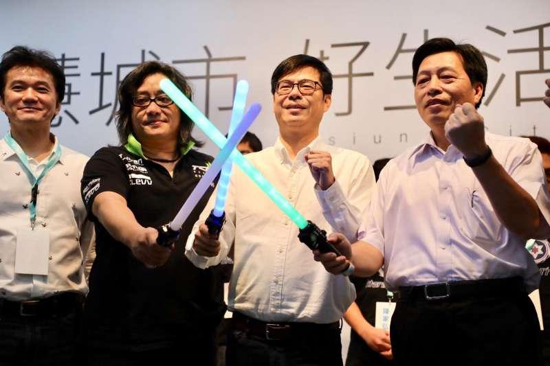 民進黨高雄市長參選人陳其邁陣營回應民調問題。
