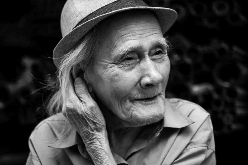 老人悲歌,不繼續工作就無法生活。(圖/pixnio)