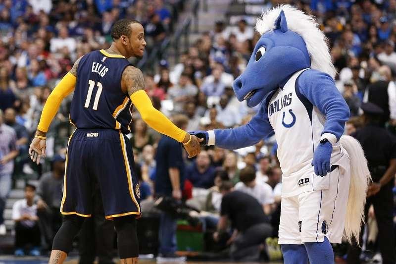 據傳明尼蘇達灰狼最近和艾利斯密切聯絡,有意將他簽下,而消息一出不少球迷都相當期待艾利斯能夠回鍋NBA。 (美聯社)