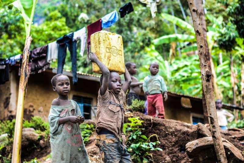 屬於肯亞首都奈洛比最大的貧民區Kibera,在這個只有2.5平方公里大小的區域,有100萬人口。(圖/@PEXELS)