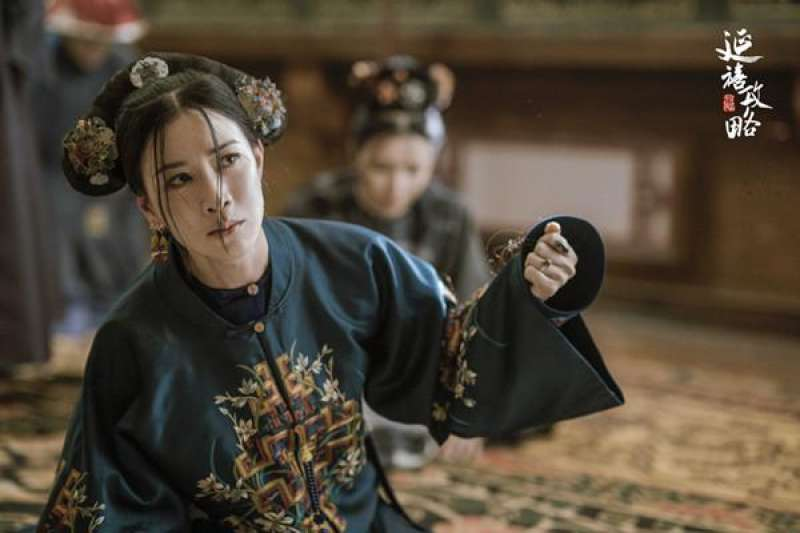 《延禧攻略》劇照,佘詩曼飾演那拉氏。(圖/澎湃新聞提供)