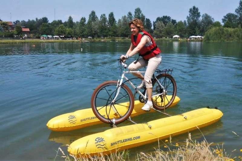 義大利發明的Shuttle Bike Kit,設計理念是希望讓喜歡戶外運動的玩家,能帶著自己的腳踏車上山下海。(圖/SHUTTLE BIKE KIT臉書,智慧機器人網提供)
