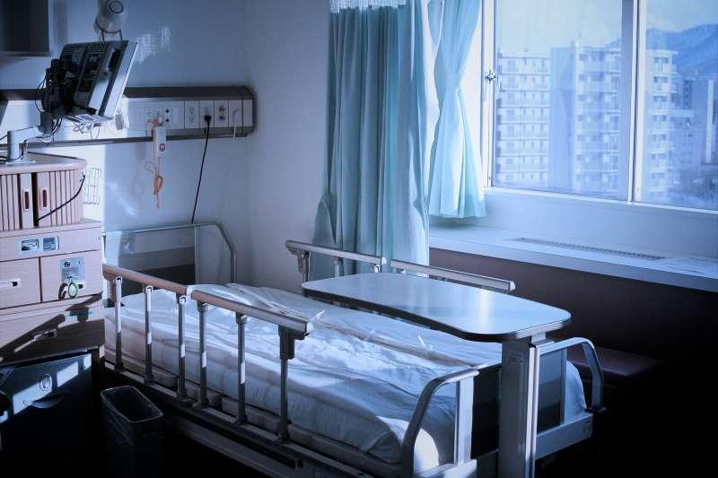 「安寧療護」是醫師把所有的醫療武器都用過一輪,最後束手無策的意思嗎?醫師揭開台灣人長期對「安寧」的誤解。(圖/MIKI Yoshihito@flickr)