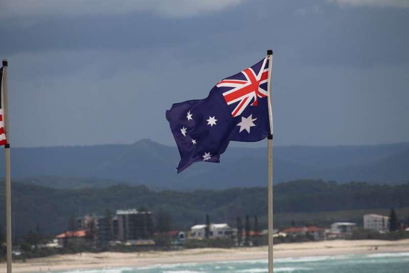 澳洲布里斯本9歲女孩尼爾森認為國歌根本不尊重原住民,日前拒絕在學校起立唱國歌(AP)