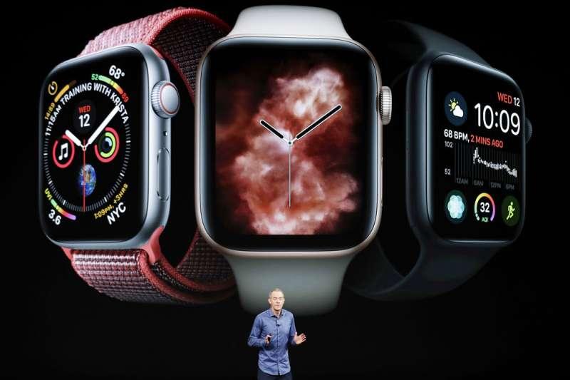 《CNBC》報導,蘋果已接觸多間保險公司,探討向美國老年人提供Apple Watch的合作計畫。圖為Apple Watch Series 4。(資料照,美聯社)