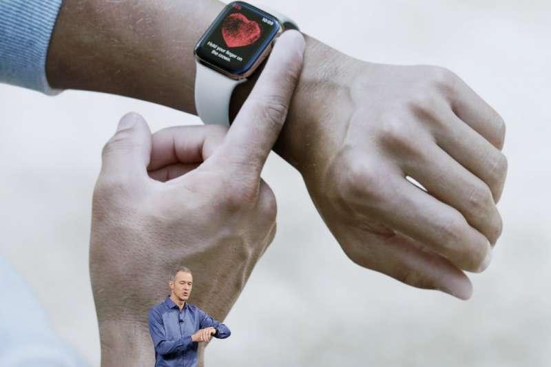 2018年9月12日,蘋果電腦舉行秋季發表會,新版Apple Watch Series 4亮相。(美聯社)
