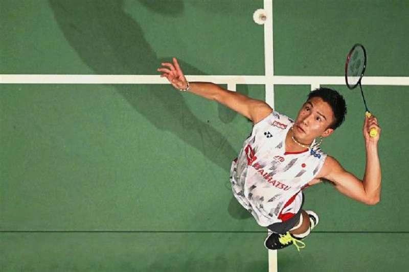 日本桃田賢斗擊敗林丹,晉級日本公開賽4強。(美聯社)