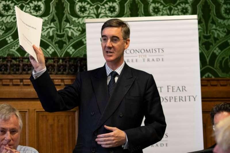 英國自由貿易經濟學家組織稱,完全脫離歐盟的恰當模擬從自由貿易中錄得GDP2%至4%的長期收益。(BBC中文網)