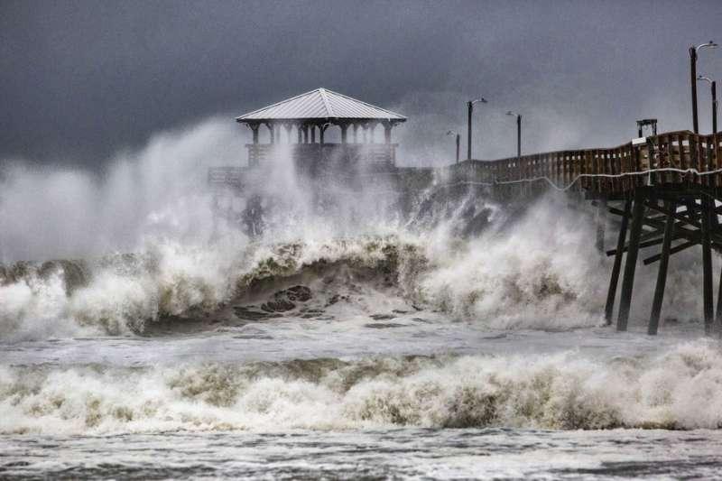 颶風佛羅倫斯襲擊美國東南岸。(AP)