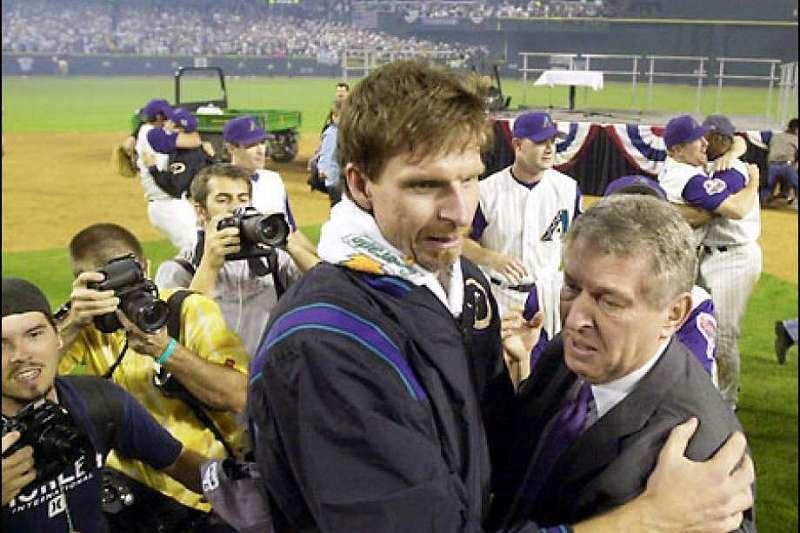 響尾蛇於2001年奪下隊史第一次世界大賽冠軍,「大個子」強森(見圖)居功厥偉。(美聯社)