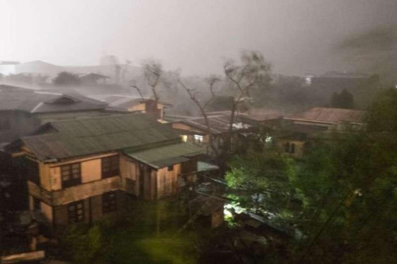 山竹颱風9月15日凌晨席捲菲律賓北部。(BBC中文網)