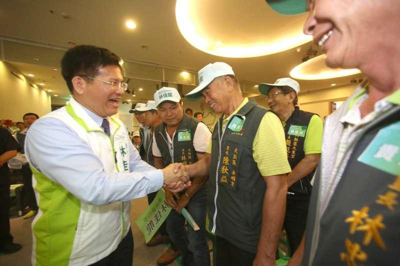 台中市長林佳龍開出「台中捷運2018試營運」的支票看來要跳票了。圖為林佳龍競選總部正式成立(林佳龍競選總部)