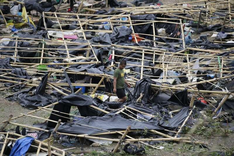 2018年9月15、16日,「山竹」颱風侵襲菲律賓,造成數十人死亡,多處房屋嚴重受損(AP)