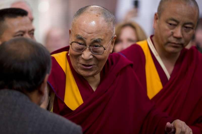 西藏精神領袖達賴喇嘛將討論轉世。(AP)