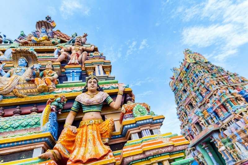 長久以來,印度社會彌漫著一股崇白的風氣,以淺膚色為尊貴代表:膚色愈白,則血統愈優良。就連宗教神祇的顏面,於後世都塗得愈來愈白,彰顯地位神聖。(圖/*CUP)