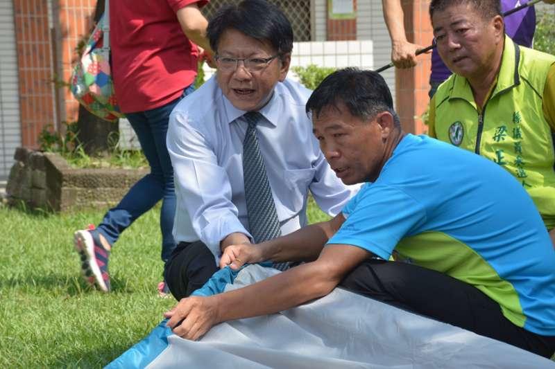 潘孟安大讚揚身心障礙者維管營地的能力,也邀請民眾前來「崙川工坊」體驗不一樣的露營樂趣。(圖/徐炳文攝)