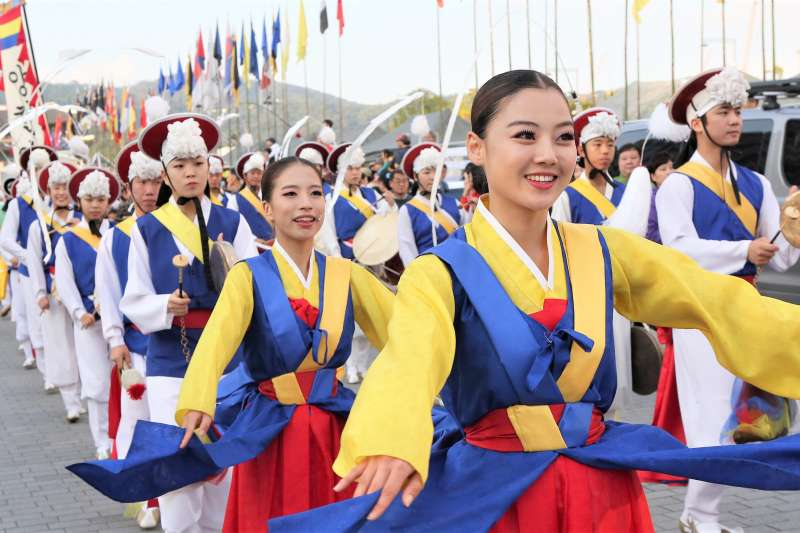 韓國人中秋節竟然要祭祀、掃墓,來看看有什麼特殊文化吧!(圖/Republic of Korea@flickr)