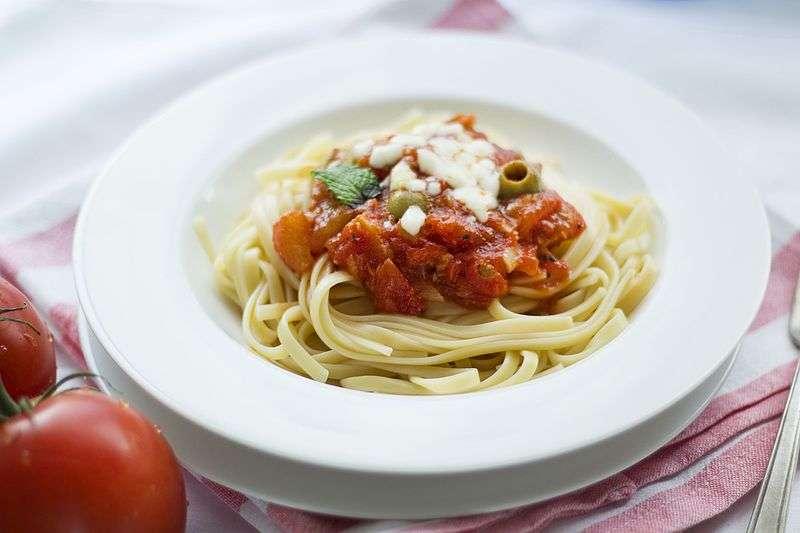 超市裡義大利麵條百百種,該如何選購呢?(圖/取自wikimedia)