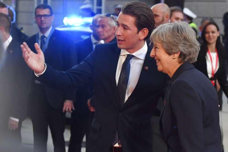 2018年9月19日,英國首相梅伊與奧地利總理庫爾茲(Sebastian Kurz)參加薩爾茲堡歐盟高峰會。(AP)