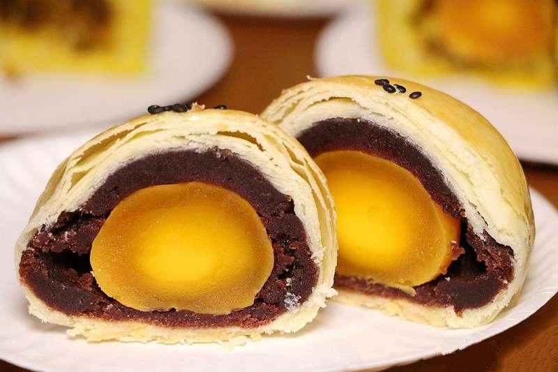 為何月餅裡包的鹹蛋黃都是鴨蛋?原來不做「鹹雞蛋」,背後是這原因⋯