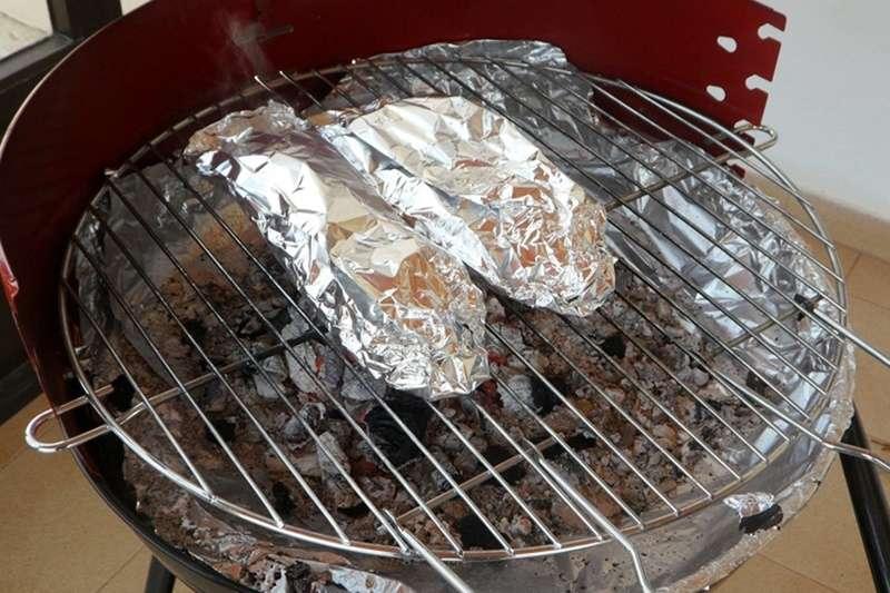 用鋁箔紙烤肉真的會失智嗎?專家這樣說…(圖/pixabay)