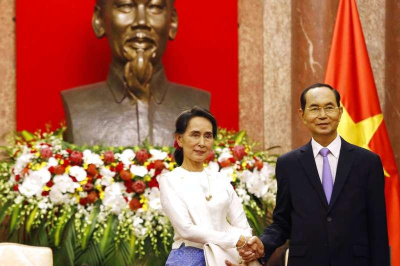 越南國家主席陳大光與緬甸實質領導人翁山蘇姬。(資料照,美聯社)