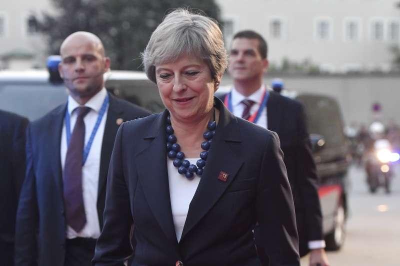 2018年9月19日,英國首相梅伊抵達奧地利薩爾斯堡,參加歐盟成員國領導人峰會(AP)
