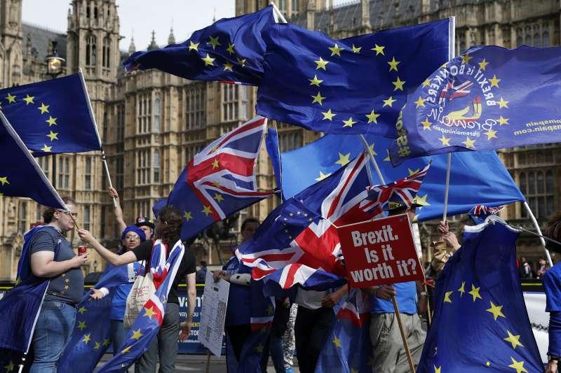 英國脫歐談判一波三折,越來越多民眾支持續留歐盟(AP)