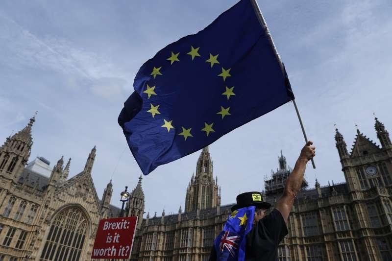 作者指出,歐盟對於日前台灣九合一地方選舉結果同感驚訝,也對部分具有進步意識的公投提案遭到否決感到不解。(資料照,AP)