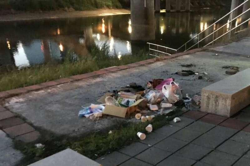 不少民眾在中秋連假團圓烤肉,但也讓部分地區出現滿地垃圾的景象。示意圖。(資料照,取自台北市政府)