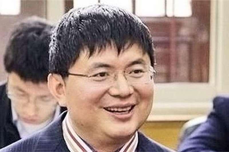 富邦金控能否成功收購日盛金控,肖建華(圖)家族同意與否恐將是最大關鍵之一。(圖片來源:中國名人網)