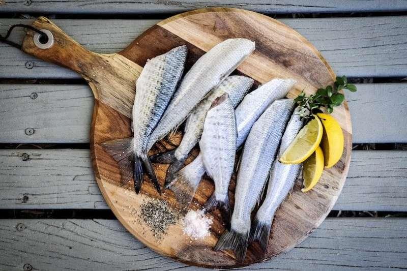 啥叫腎陰虛 - 為什麼長輩都說要吃「魚油」?揭密魚油中Omega-3的8大「神奇功能」,連醫師都大推!