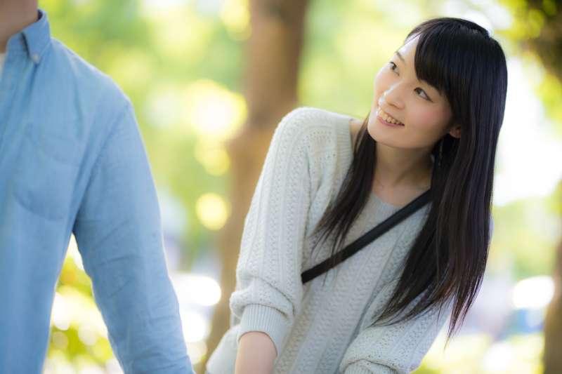 韓國女生都漂亮、體貼、又會撒嬌?其實她們跟你想的不一樣,聽聽韓國男生眼中的韓國女生的真面目吧!(圖/すしぱく@pakutaso)
