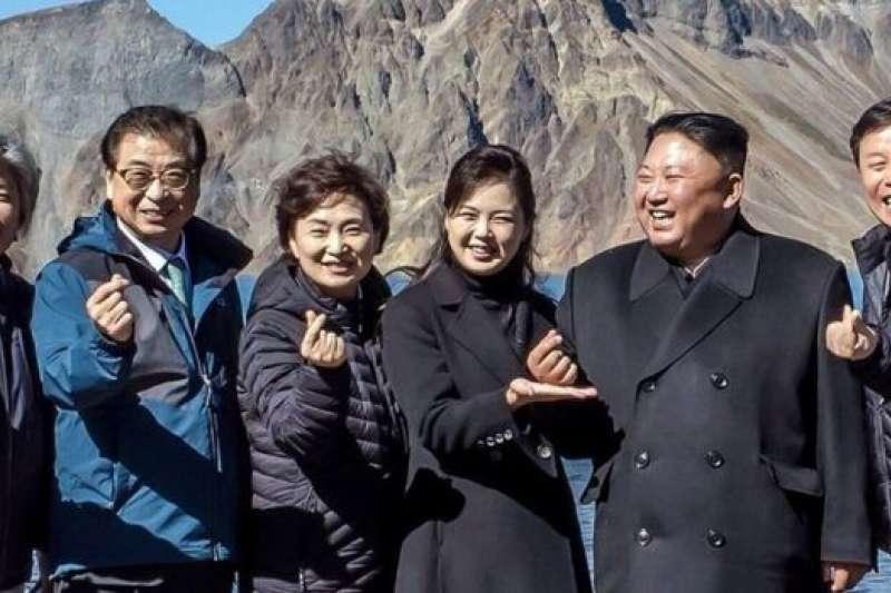 金正恩做南韓「小心心」手勢的背後 仍是「手握斷頭刀的喜劇演員」-風傳媒