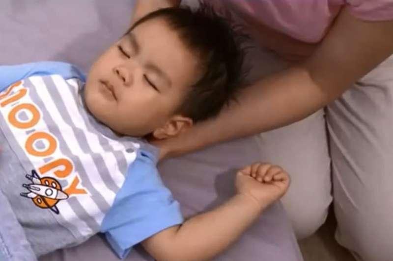 1998年「腸病毒71型」大流行,造成家長和醫師相當恐慌,甚至被視為「怪病」。示意圖,與新聞個案無關。(取自疾管署衛教短片)