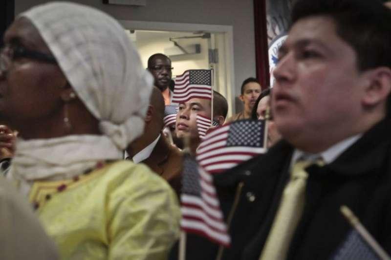 現在移民美國的人主要是亞洲人。(美國之音)