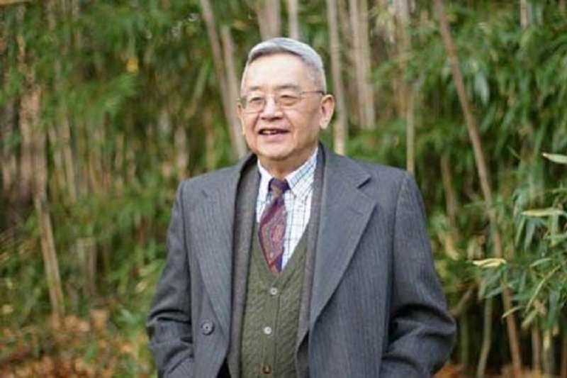 從羅湖橋走出中國的青年,從此沒有鄉愁,他建構的人文世界讓他常說,「我在哪裏,哪裏就是中國。」