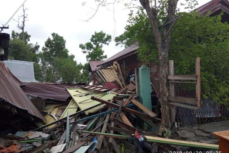 20181002-印尼蘇拉威西島巴路市(Palu)受地震和海嘯重創,多棟房屋倒塌。世界展望會災後第一時間即展開災情評估與救援。(圖/台灣世界展望會提供)