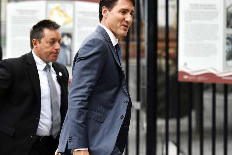 2018年10月1日,加拿大與美國達成《美墨加協定》後,加拿大總理杜魯道(Justin Trudeau)面帶笑容。(AP)