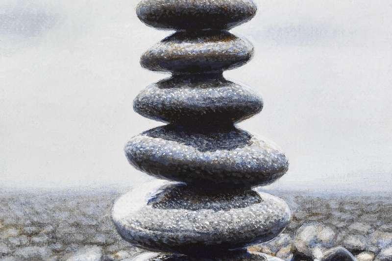 這幅畫看似偉岸,只有8x10公分大。周珠旺說,他除了挑戰很細的沙,也挑戰很小的畫。同時照顧到諸多筆法上的細節、還得一樣有內容,是有些難度的。(作者提供)
